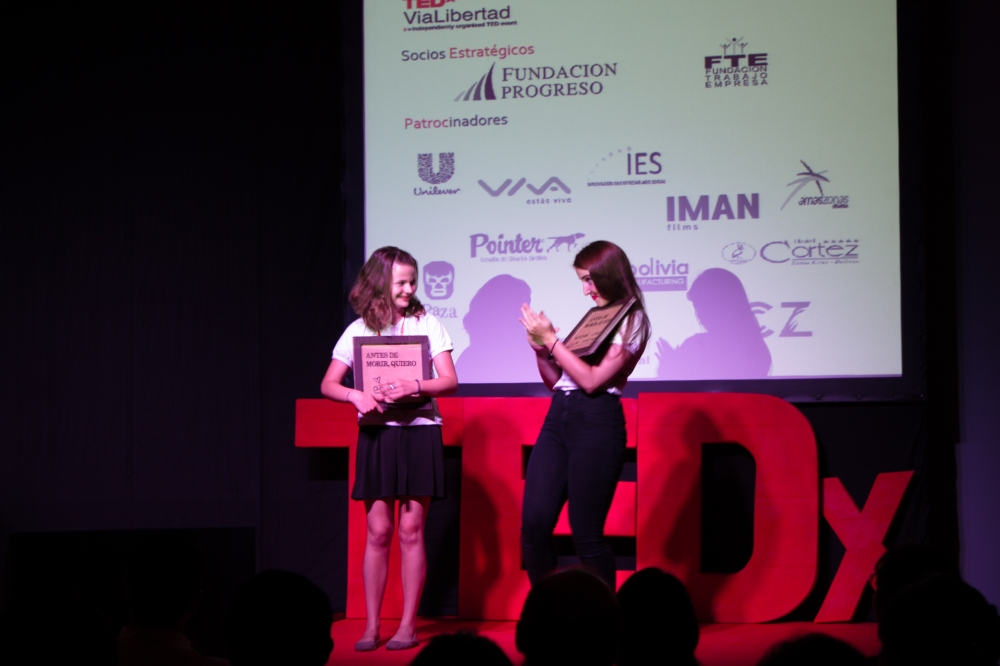 "Me on stage, presenting our ""before I die"" project at TEDxViaLibertad www.antesdemoriribolivia.com"